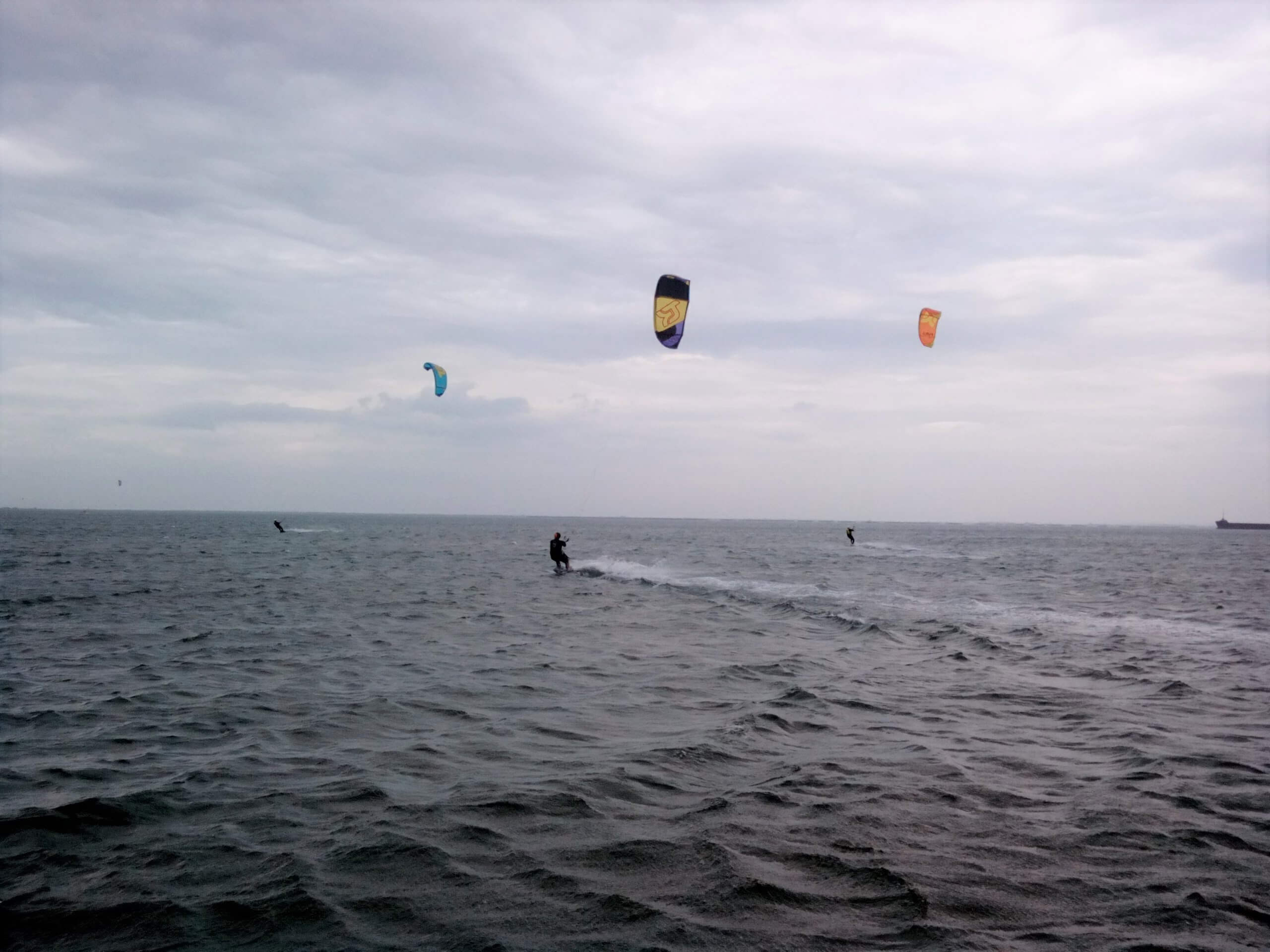 spot-de-kitesurf-they-de-la-gracieuse-univers-kite-flat-sud-de-france-port-saint-louis-du-rhone-1